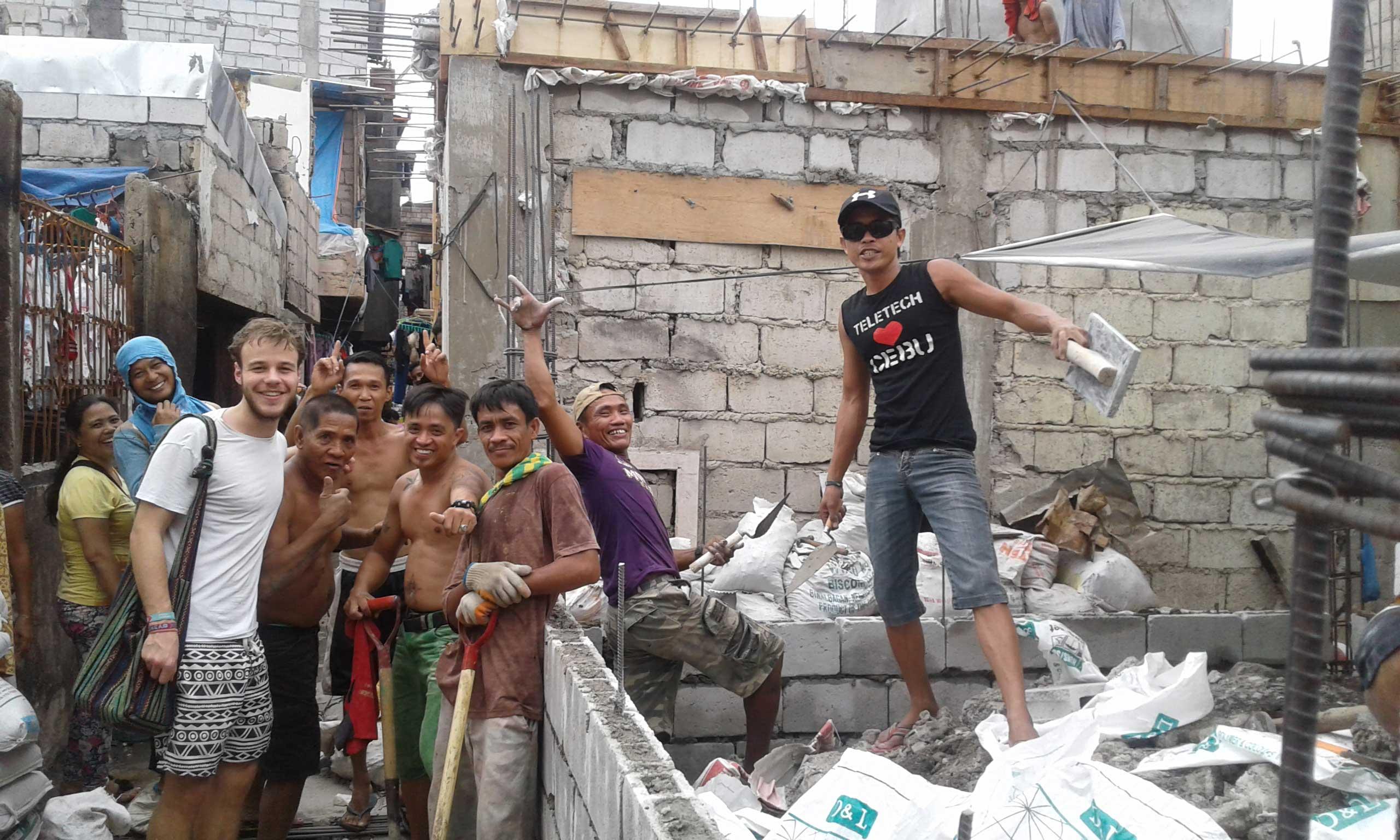 Alexander Meisinger unterwegs in Manila - Er trifft auf Menschen, die sich ihr Zuhause ganz neu aufbauen müssen
