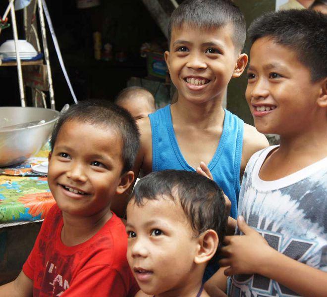 Slumkinder-erhalten-Bildung