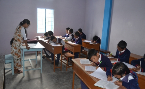 Bildung und Gesundheit für 399 Schüler