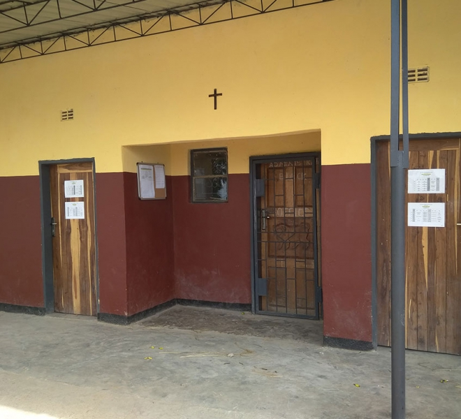 Klassenzimmer-renovierte-Schule
