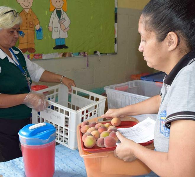Kochen-fuer-die-Kinder-in-Caracas
