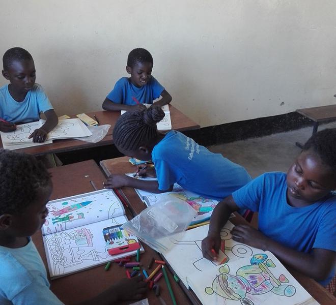 Unterricht-fuer-die-Kinder-in-Sambia