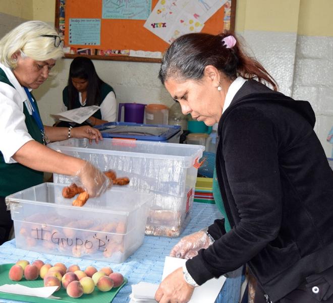 gemeinsam-kochen-fuer-schulkinder-in-venezuela